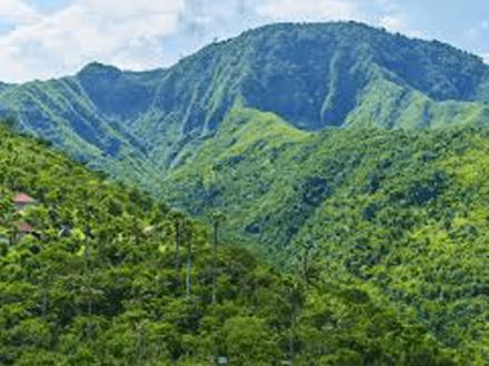 keindahan-bukit-mencol-karangasem